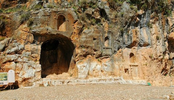 aesarea Philippi sacred niches tb032905208 Caesarea Philippi (Banias)—From the god Pan to the God Man